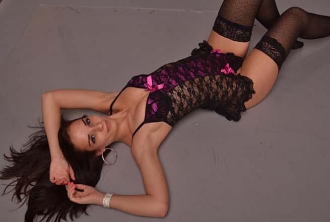 Schönes Camchat Girl befriedigt dich beim Telefon Sex